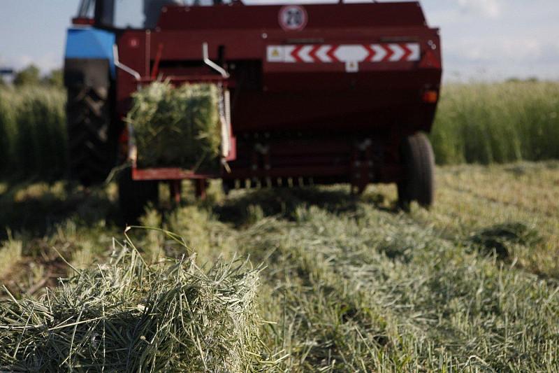 Бразильские фермеры приобретут очередную партию пресс-подборщиков TUKAN 1600 Новости  35975271eb91240ede7e9183114e8d85